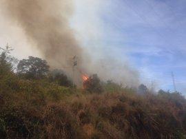 Controlado un incendio en Albelda de Iregua y extinguido otro en Viguera
