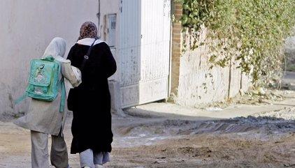 """Los musulmanes advierten de que algunos colegios españoles """"segregan"""" a las alumnas con velo"""