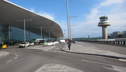 La huelga de taxistas deja sin servicio de taxi al Aeropuerto de Barcelona