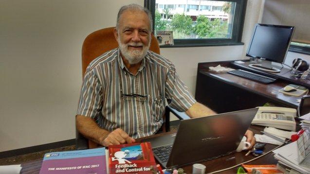 Foto: Un profesor de la UPV, primer español en ganar el premio de la IFAC al mejor libro de texto de ingeniería de control (UPV)