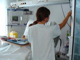 CCOO alerta de que las mujeres pierden empleo fijo y ocupan contrataciones más precarias en el sector sanitario