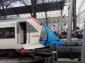 Puigdemont, Colau y Millo acuden a la estación de França tras el accidente de tren