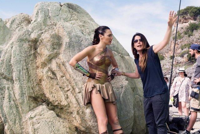 Patty Jenkins y Gal Gadot en el rodaje de Wonder Woman