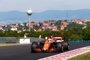 Alonso empieza con un esperanzador séptimo puesto y Ricciardo lidera en Hungría