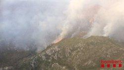 L'incendi de Tivenys segueix actiu i ja ha cremat 60 hectàrees (BOMBEROS DE LA GENERALITAT)