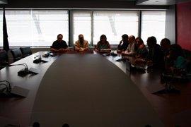 El comité de empresa y la dirección de TMB firman la desconvocatoria de huelga de Metro