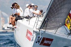 El rey Felipe comienza su entrenamiento de cara a la Copa del Rey en la bahía de Palma