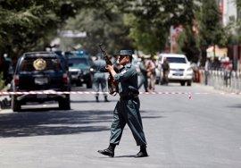 Al menos dos muertos por el atentado suicida de Estado Islámico contra la Embajada de Irak en Kabul