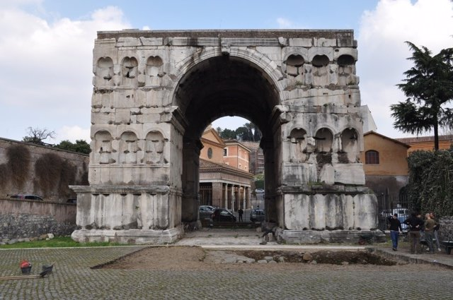 El Arco de Giano en Roma (Italia)