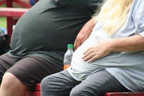 La obesidad mórbida influye en la proteína encargada de fijar las hormonas sexuales (TONY ALTER/FLICKR)