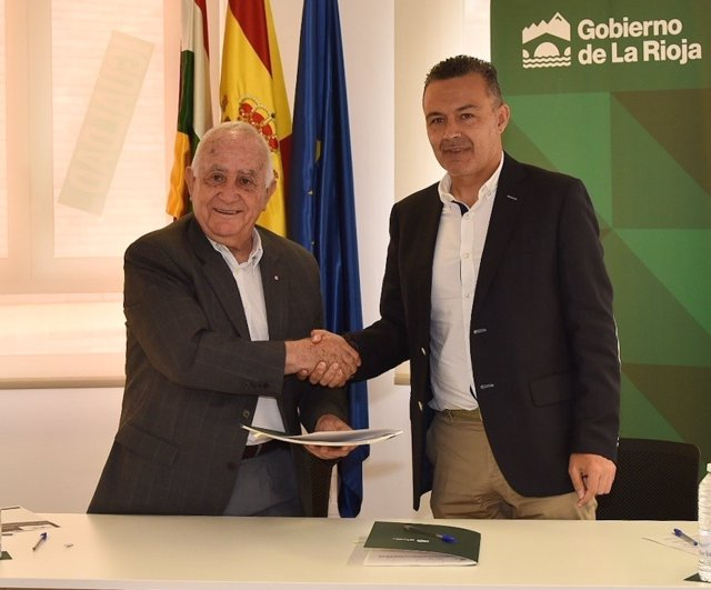 Escobar y Reinares, tras firmar el convenio