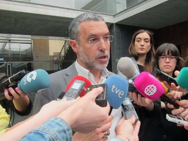El vicepresidente de Derechos Sociales del Gobierno de Navarra, Miguel Laparra