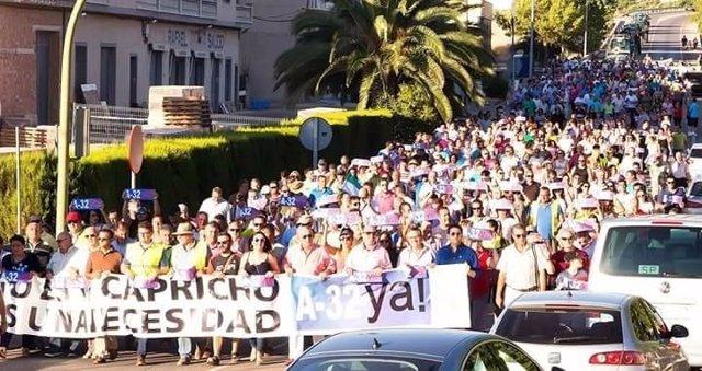 Manifestación por la A-32 en Villacarrillo