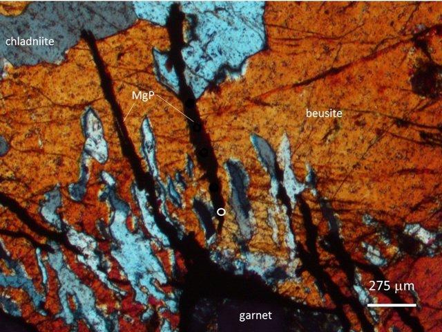 Fotomicrografía de chladniita