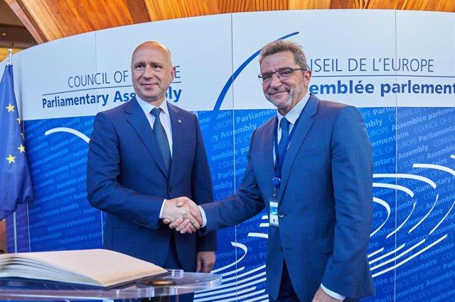 Gutiérrez Limones con el primer ministro de Moldavia