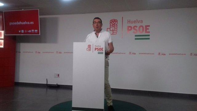 El secretario de Política Municipal del PSOE de Huelva, Manuel Domínguez.