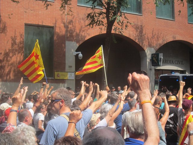 Concentración de la CUP ante la Guardia Civil de Barcelona