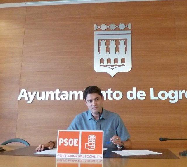 Ruiz durante su intervención para criticar la actuación del PP