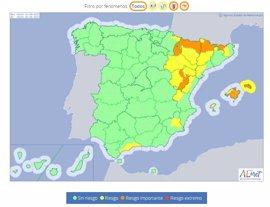 Agosto arranca mañana con fuertes lluvias y granizos en el nordeste y con altas temperaturas en el sureste y Baleares