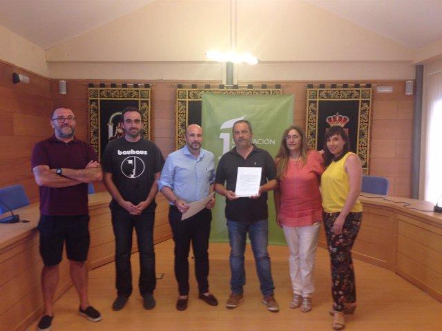 Entrega de la subvención al Ayuntamiento de Vílches