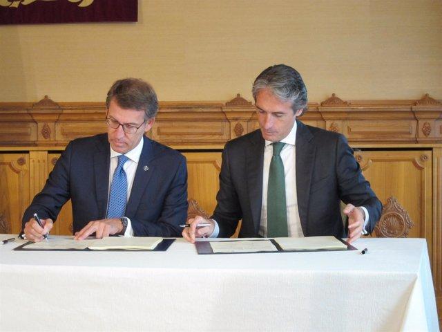 Feijóo y De la Serna firman un convenio