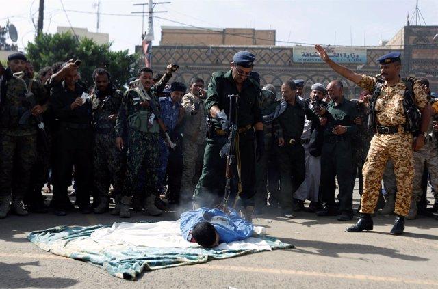 Un oficial de policía abre fuego contra Muhammad al-Maghrabi, de 41 años