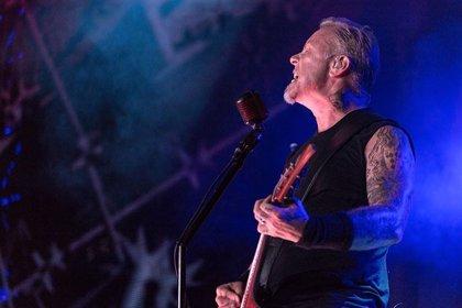 VÍDEO: Metallica versionan Runnin' with the devil de Van Halen en directo en el Rose Bowl de Pasadena