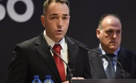 Óscar Garvín (ProLiga) abandona la Asamblea de la RFEF