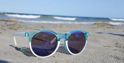 ¿Cuáles son los riesgos de no usar gafas de sol homologadas?