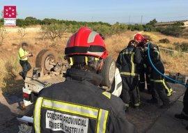 Un fallecido y un herido grave tras salirse de la vía y volcar un vehículo en la AP-7 en Vila-real