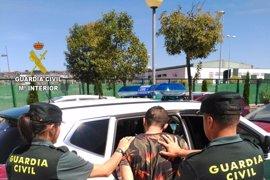 Detenido tras atracar un banco y llevarse 3.000 euros a punto de pistola