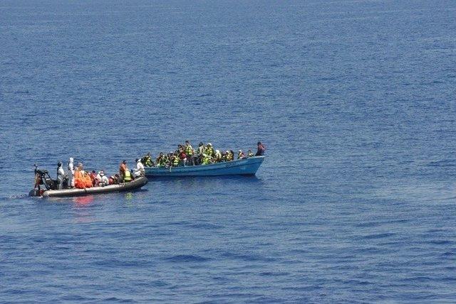 Migrantes rescatados frente a las costas de Libia