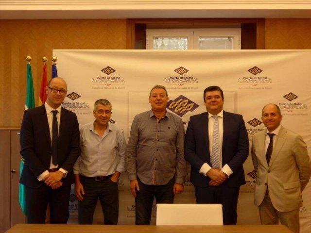Firma del convenio entre BMN/CajaGranada y el Puerto