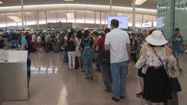 Los trabajadores de Eulen empiezan este viernes huelga parcial en el Aeropuerto de Barcelona