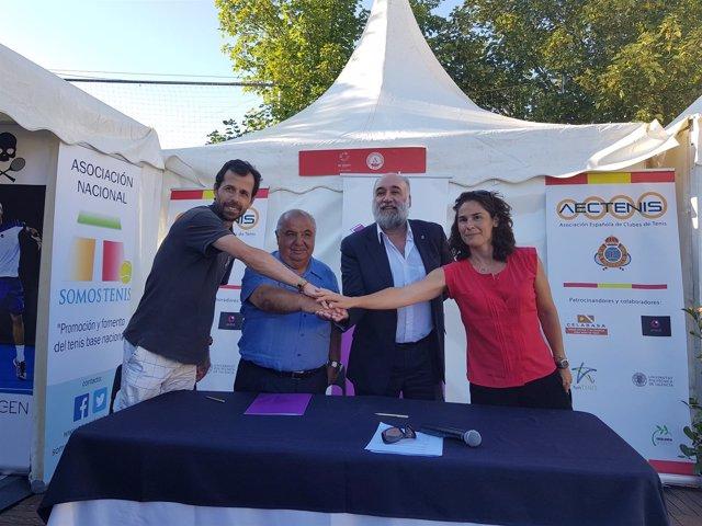 Pato Clavet, Pedro Muñoz, Francisco Santolaya y Virginia Ruano en El Espinar