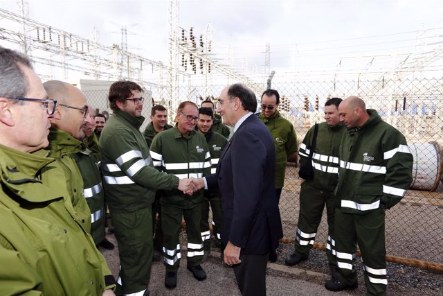 Ignacio Galán con empleados de Iberdrola Distribución