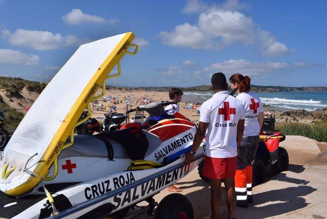 2bd9fecbc0ac4 Cruz Roja ha realizado 24 rescates y 262 asistencias en las playas de  Piélagos