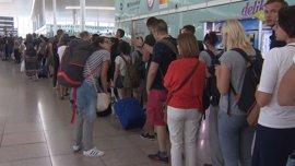 El Aeropuerto de El Prat no registra largas colas en la tarde del primer día de huelga oficial