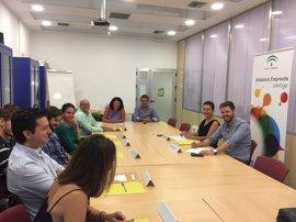 Seis nuevas empresas reciben alojamiento y asesoramiento en los CADES de Granada, Albolote y La Zubia