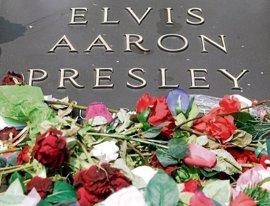 De Elvis Presley a Chris Cornell: los epitafios más famosos de las estrellas de la música