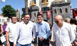 Aielo del Malferit (Valencia) celebra sus fiestas de Moros y Cristianos con un nuevo castillo