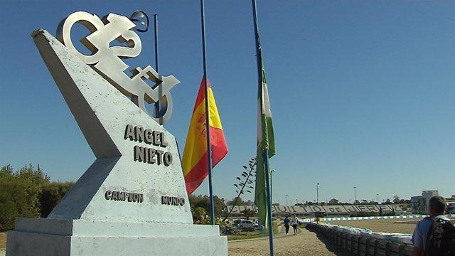 El Circuito de Jerez recuerda a Ángel Nieto