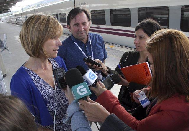 Nava Castro Recibe Aos Pasaxeiros Do Primeiro Tren Peregrino Tras Rematar O Seu