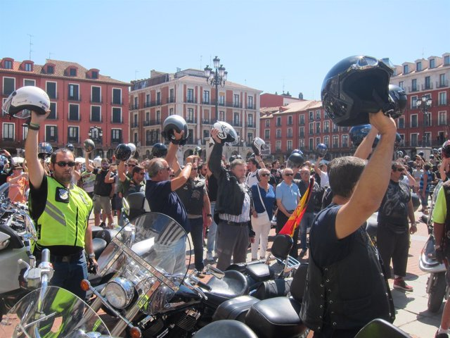 Valladolid. Concentración en homenaje a Ángel Nieto