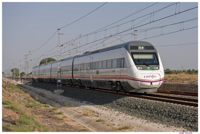 Tren entre Madrid y Huelva.