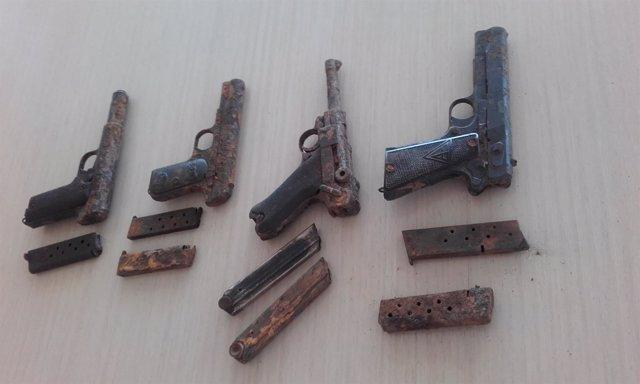 Imagen de las pistolas encontradas