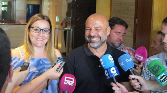 Molina Y Diaz Atienden A Los Medios