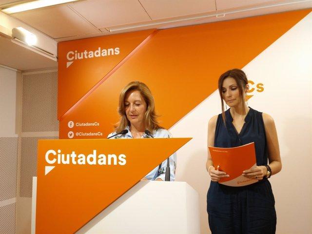 La presidenta de Cs en el Ayuntamiento de Barcelona, Carina Mejías, y la diputad