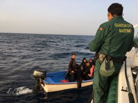 Llega una sexta patera al puerto de Cartagena con 10 inmigrantes a bordo