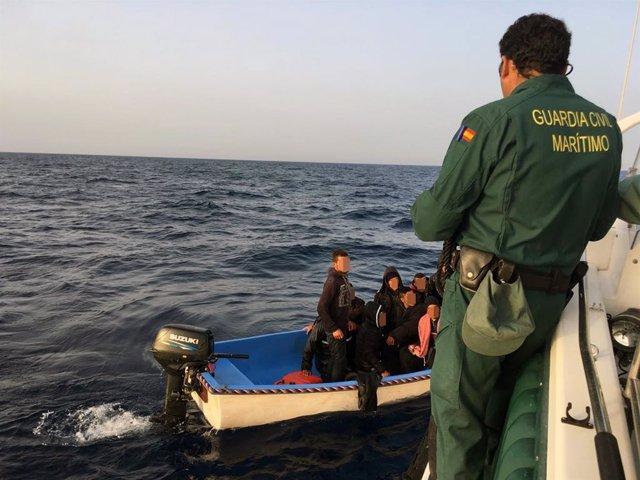 Patera, Guardia Civil, aguas Cabo de Palos, inmigrantes